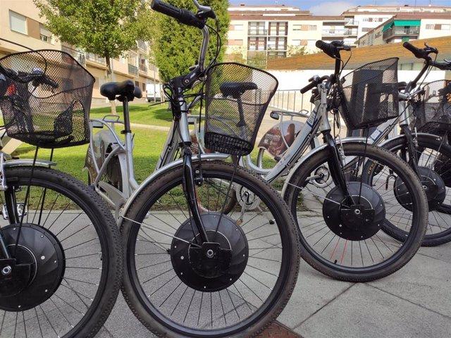 Bicicletas eléctricas del servicio municipal de préstamo de bicicletas en Salamanca.