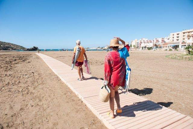 Turismo, turistas, playas, arena, playa de Mazarrón
