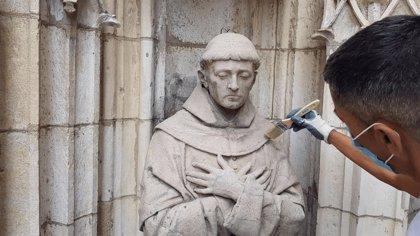 Comienzan los trabajos de mantenimiento en la Portada de la Asunción de la Catedral