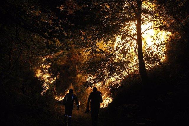 Incendio de Vilariño de Conso en Ourense donde se ha declarado la situación 2 de emergencia dada la proximidad del fuego a núcleos de población. En Vilariño de Conso (Ourense) a 14 de septiembre de 2020.