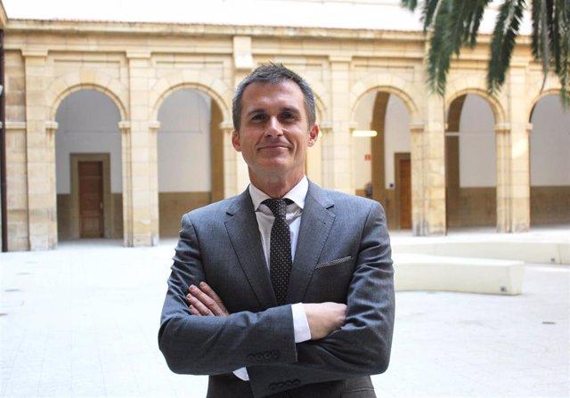 El profesor de Derecho y experto en Derechos Humanos, Mikel Mancisidor, que ha recibido el Premio Eusko Ikaskuntza-Laboral Kutxa
