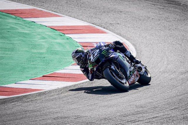 Maverick Vinales rueda en el circuito Marco Simoncelli en el Gran Premio de San Marino 2020