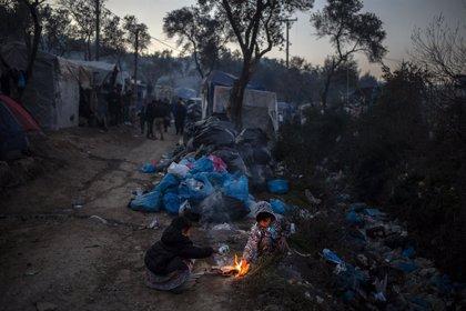 Registrado un incendio cerca de un campamento de refugiados en la isla de Samos, en Grecia