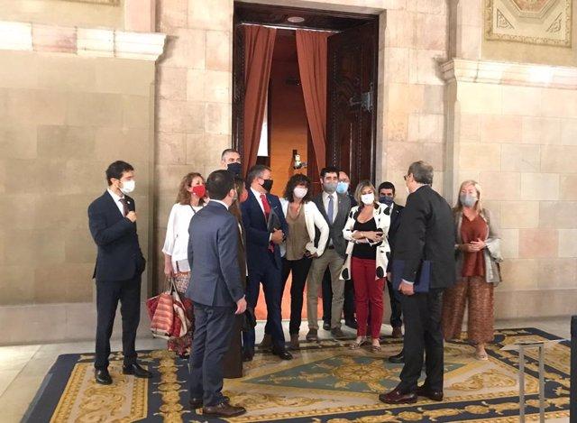 El presidente de la Generalitat, Quim Torra, junto con todos los miembros del Govern antes del Debate de Política General en el Parlament a 16 de septiembre de 2020.