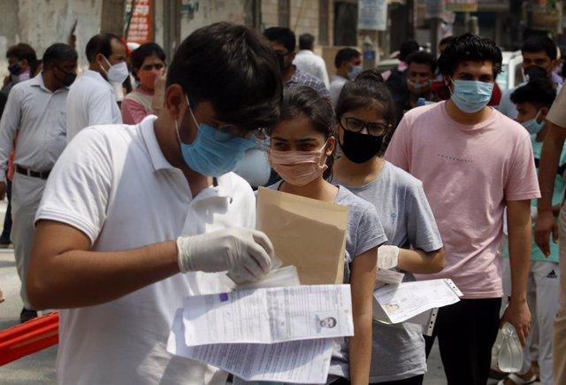 Coronavirus.- India rebasa los cinco millones de casos de coronavirus