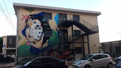 La UPV y Las Naves rinden tributo a Rosalind Franklin en su proyecto 'Murales Mujeres de Ciencia'