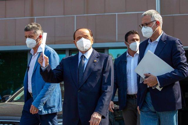 Silvio Berlusconi recibe el alta del hospital