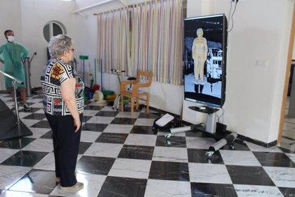 El Salvador.- El grupo ARCO de la UCLM desarrolla tres prototipos de equipos para la rehabilitación remota de personas mayores
