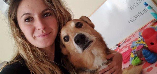 Una de las sesión de terapia canina virtual de la Unidad de Actividades Motivacionales del Reina Sofía