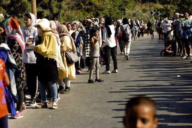Grecia.- El campamento alternativo a Moria solo acoge por ahora a 1.200 migrante