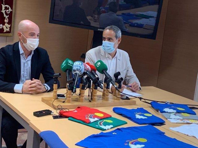 El subdelegado del Gobierno en Cádiz con el director del centro penitenciario Puerto II