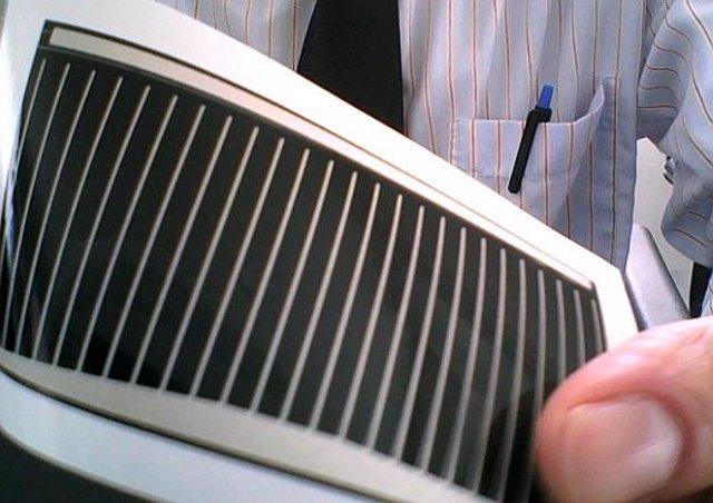 Célula solar CIGSe (Cu (In, Ga) (Se) 2) delgada y flexible