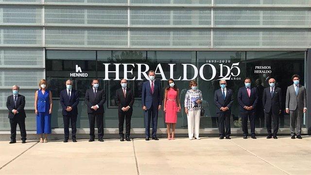 """AV.- Los Reyes destacan la """"integridad profesional"""" de Heraldo de Aragón y su am"""