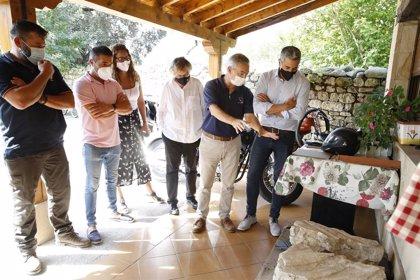 El MUPAC documentará y conservará los dos fragmentos estela cántabra hallados en Villasevil de Toranzo