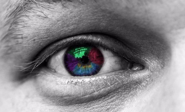 Multicolored eye macro