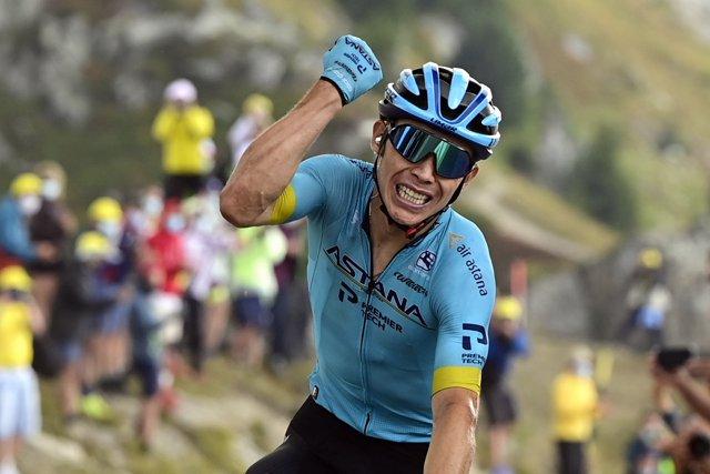 Miguel Ángel López celebra su victoria en Méribel en el Tour de Francia 20202 Photo: -/BELGA/dpa
