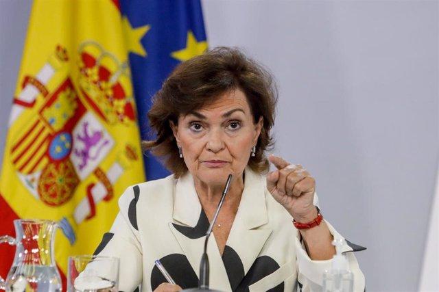 La vicepresidenta primera del Gobierno, Carmen Calvo, en rueda de prensa en el Palacio de la Moncloa.