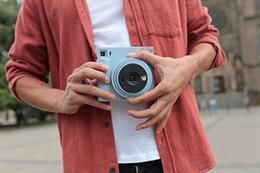 Fujifilm presenta su nueva cámara instantánea Instax SQUARE SQ1 con modo 'selfie