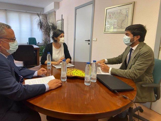 La delegada del Gobierno en La Rioja visita el Catastro y el Tribunal Económico Administrativo