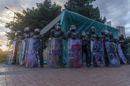 """La CIDH condena la """"brutalidad"""" policial en las protestas en Colombia tras la muerte de un hombre bajo custodia"""