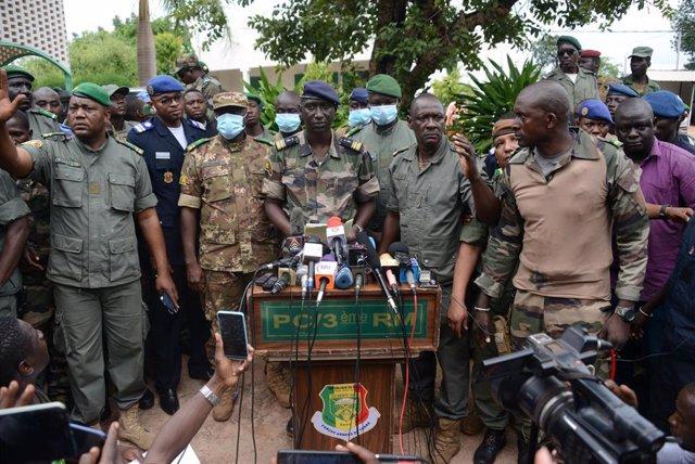 El portavoz de la junta militar en Malí, coronel Ismael Wagué