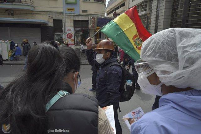 Bolivia.- El Senado de Bolivia aprueba un subsidio contra el hambre ante las obj