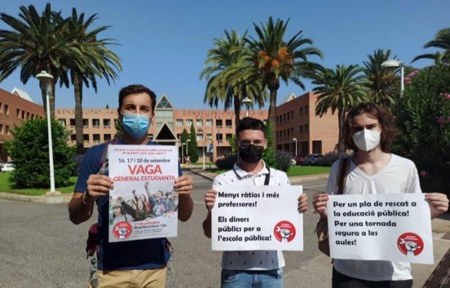 """Estudiantes reclaman medidas para """"una educación segura"""" con una huelga y protestas convocadas por el Sindicat d'Estudiants"""