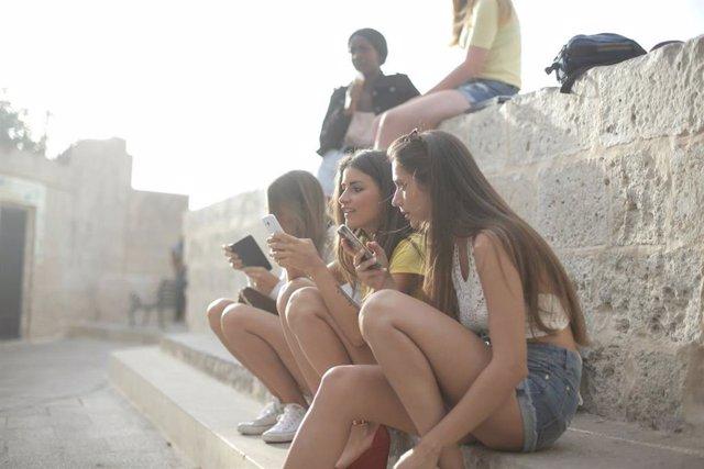 Tecnomari recomienda móviles libres para adolescentes