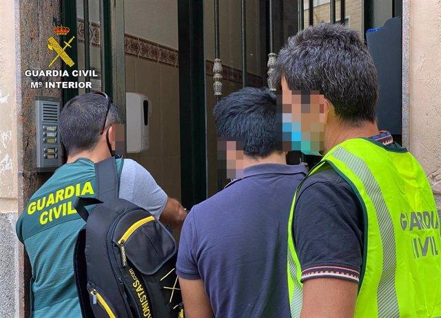 La Guardia Civil esclarece en Cieza (Murcia) un hurto en una vivienda de Barcelona