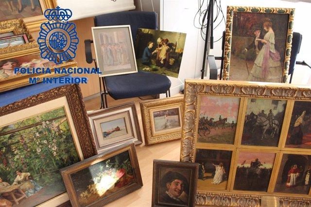 """Nota De Prensa Y 2 Fotografías:""""La Policía Nacional Recupera 68 Obras De Arte De Pintores Valencianos Y Detiene A Un Hombre """""""