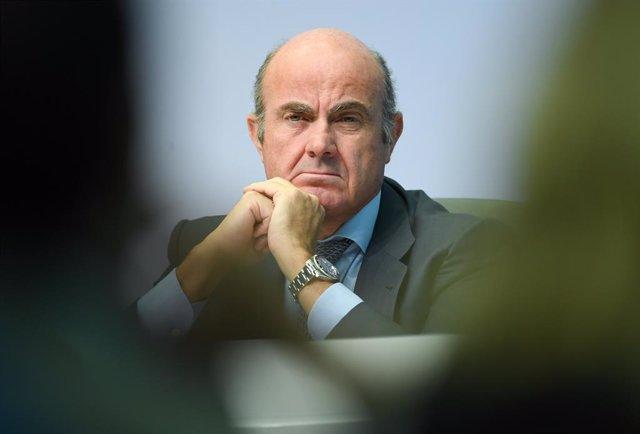 FILED - 13 September 2018, Hessen, Frankfurt_Main: Luis de Guindos, Vice President of the European Central Bank (ECB), attends an ECB's press conference. Photo: Arne Dedert/dpa