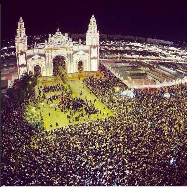 Imagen del día de arranque de la Feria de Abril 2015 de Sevilla