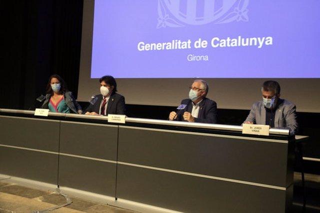 Pla general de la roda de premsa de l'alcaldessa de Girona, Marta Madrenas, i l'alcalde de Salt, Jordi Viñas, durant la roda de premsa del 15 de setembre del 2020 (horitzontal)