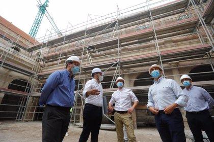 La rehabilitación del Hospital Provincial de Almería afronta la recuperación de fachadas y elementos originales