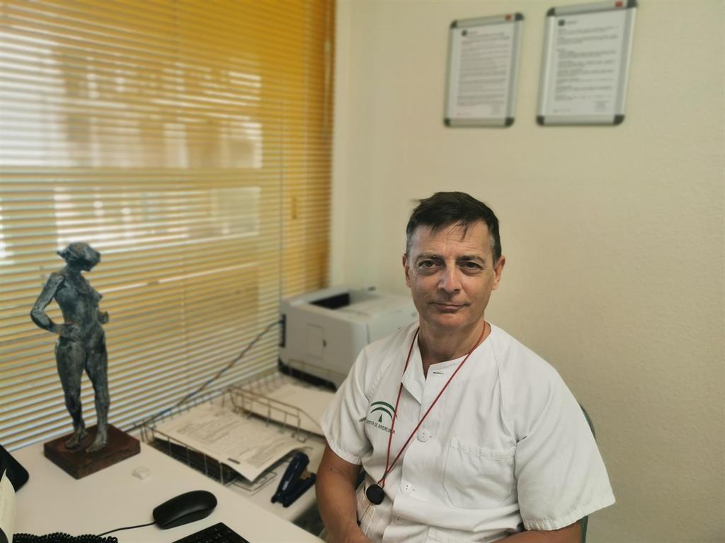 Premian al director del área de Ginecología y Obstetricia del Hospital Costa del Sol 3