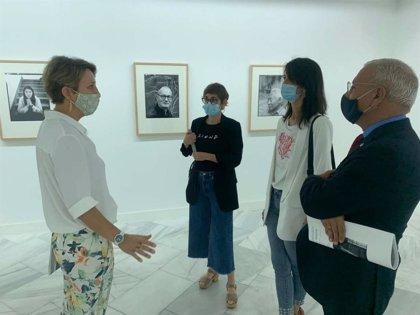 Una exposición muestra en la Sala Europa de Badajoz imágenes de artistas en su estudio tomadas por Jean Marie del Moral