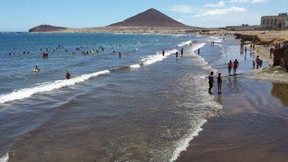 Reabren al baño la playa de El Médano (Tenerife)