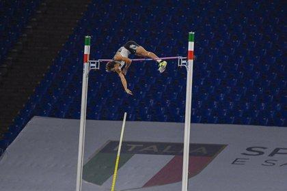 Duplantis bate el récord del mundo de salto con pértiga con 6,15 metros
