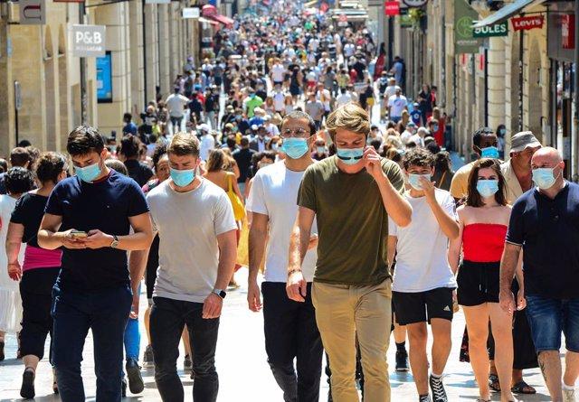 Coronavirus.- Francia confirma un nuevo máximo diario de casos de coronavirus co