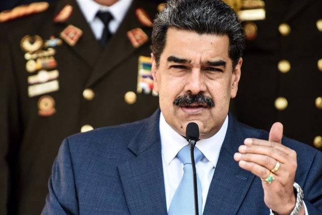 """AMP.-Venezuela.-Maduro dice que es """"imposible"""" posponer las elecciones y vuelve"""