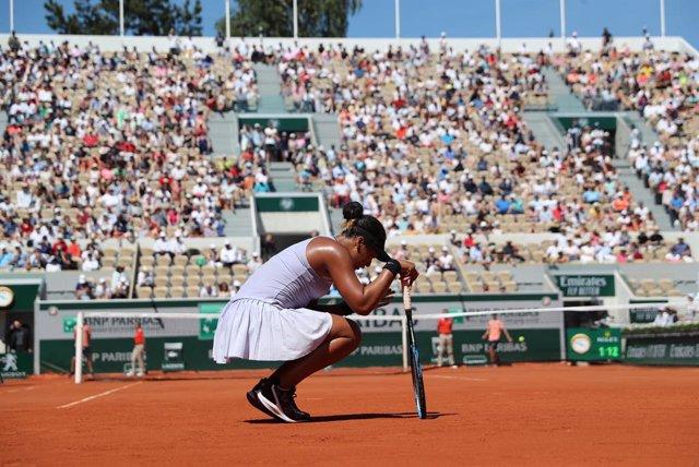 Tenis.- La japonesa Naomi Osaka renuncia a Roland Garros por problemas físicos y