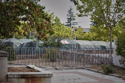 El hospital militar Gómez Ulla instala unas tiendas provisionales en previsión del crecimiento de la pandemia