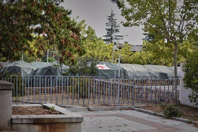 Zona del hospital de campaña instalado en el aparcamiento del Hospital Central de la Defensa Gómez Ulla, en Madrid