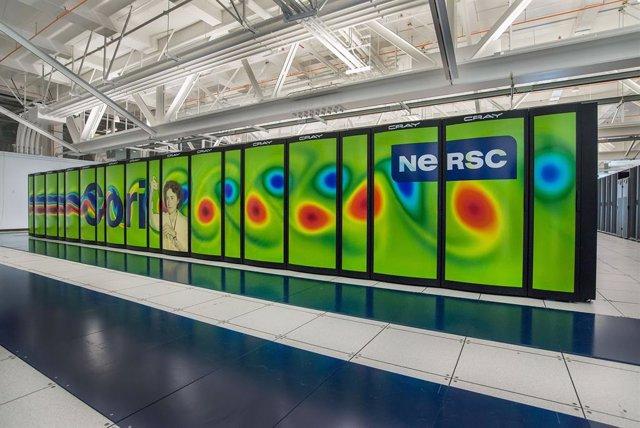 Nuevo cálculo refina la comparación materia-antimateria en el cosmos