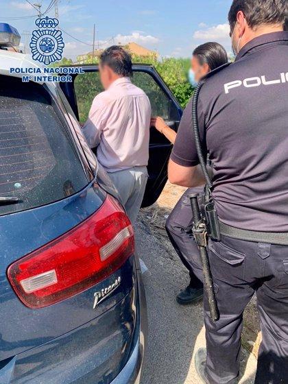 Detenido un anciano de 84 años por intentar apuñalar a su vecino en Murcia
