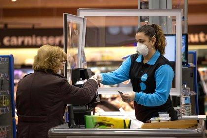 Caprabo entregará pantallas faciales a clientes que no deban usar mascarilla