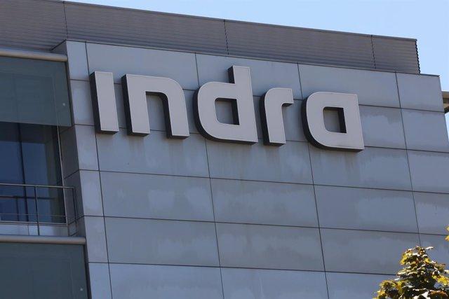 Fachada de la sede de Indra ubicada en Madrid, (España)