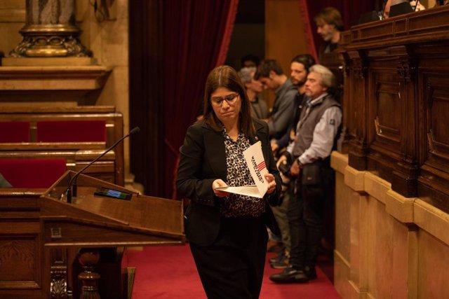 La diputada JxCat al Parlament, Gemma Geis, en una sessió del ple a la cambra catalana.