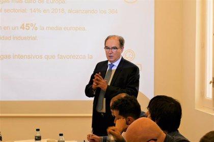 Ascer pide que se incluya al sector del azulejo dentro de las industrias expuestas a la fuga de carbono