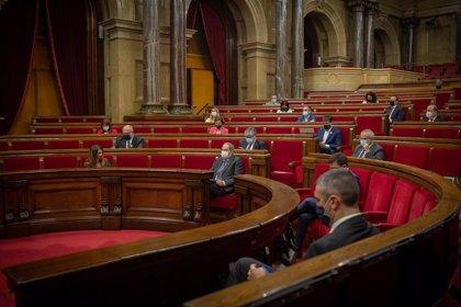 El Parlament rehúsa que el Govern derogue el acuerdo de BCN World y JxCat y ERC se dividen